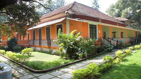 Country Side Inn. (Portuguese Guest house)