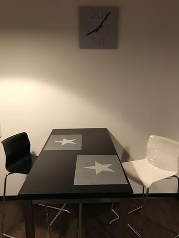 Neu eingerichtete Wohnung ! - Aachen - House