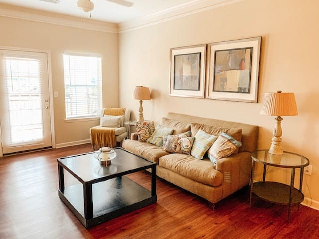 2BR Apartment Situated in Beautiful Spartanburg