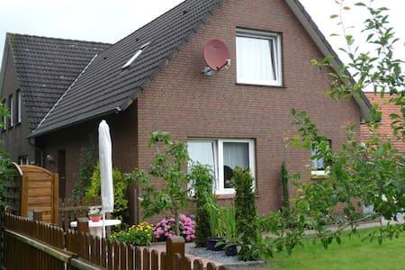 FeWo (68qm) mitten in Ostfriesland! - House