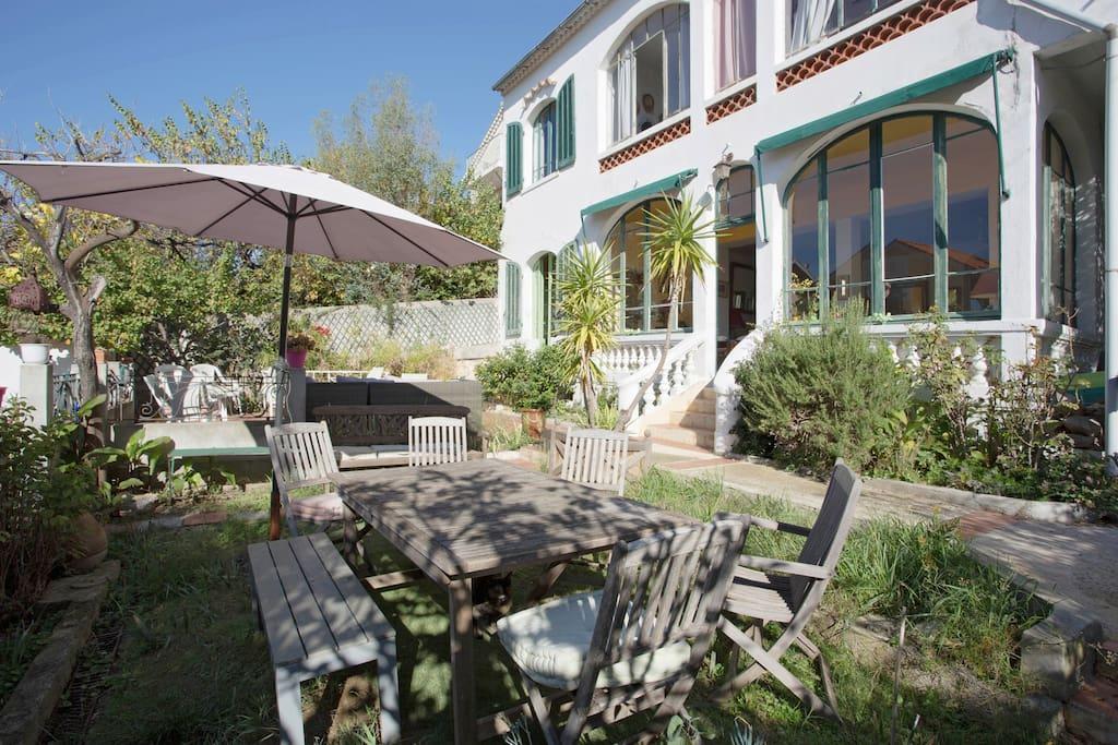 Maison provencale jardin toulon maisons louer toulon provence alpes c te d 39 azur france - Maison jardin brisbane toulon ...