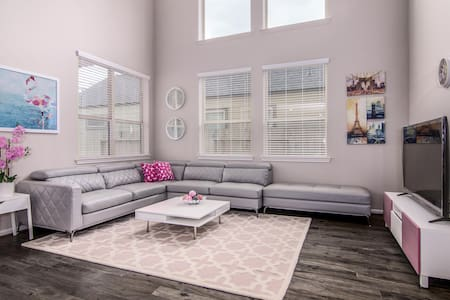 Chic Houston Home   Long term Rent near Downtown