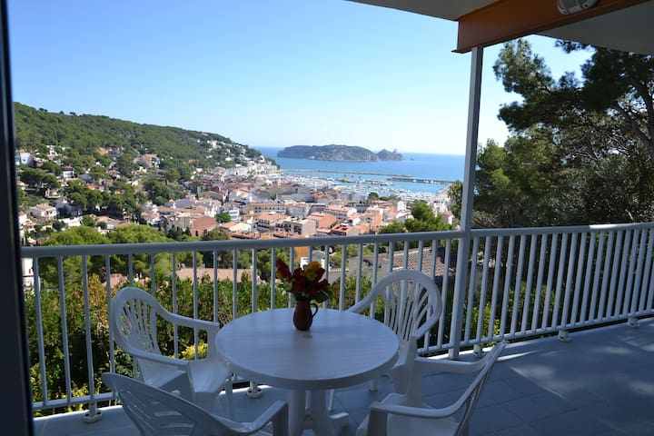 Stunning view, heated pool, sunny beaches. - L'Estartit - Appartement