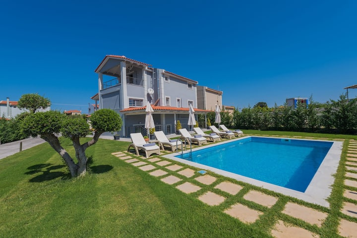 Villa Shameti - 3 bedroom Villa with private pool