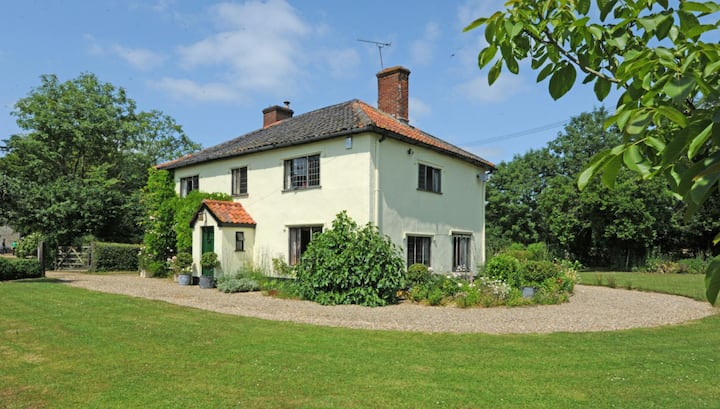 Beautifully secluded period house in mid Suffolk.