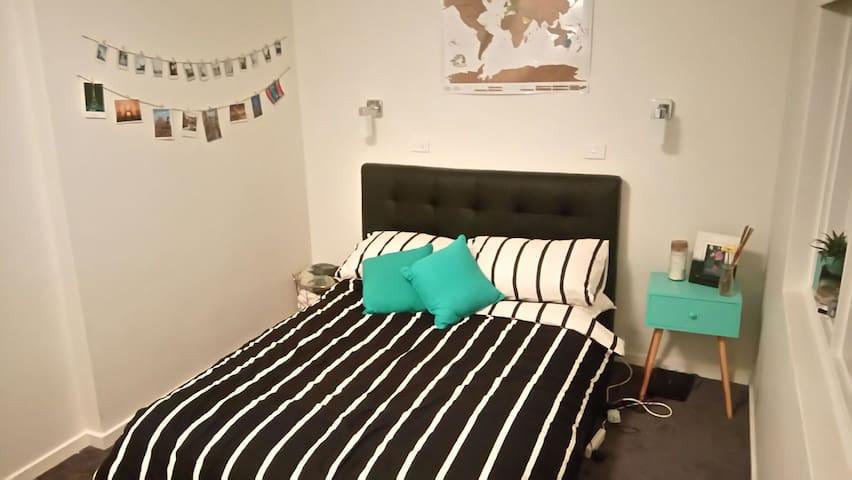 Double bed private room St kilda - Saint Kilda - Daire
