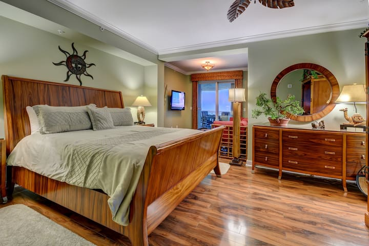 Master Bedroom with Sitting Room & Ocean View