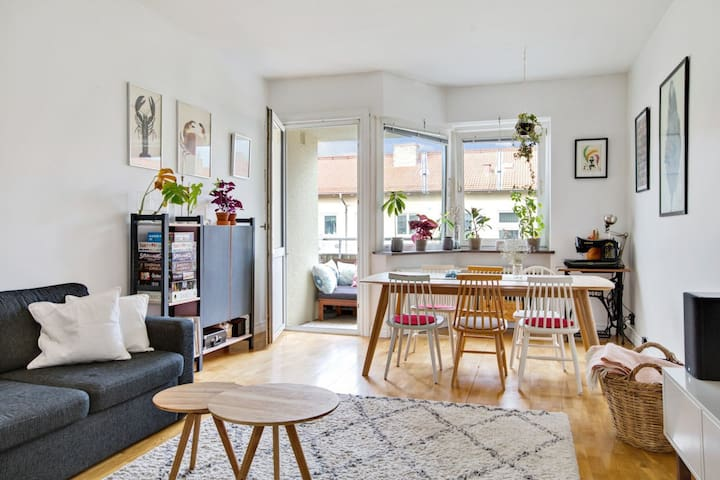 Apartment close to Malmö city center, parks & sea
