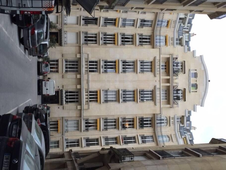 chambre de service 9m2 trocad ro appartements louer paris 16e arrondissement le de. Black Bedroom Furniture Sets. Home Design Ideas