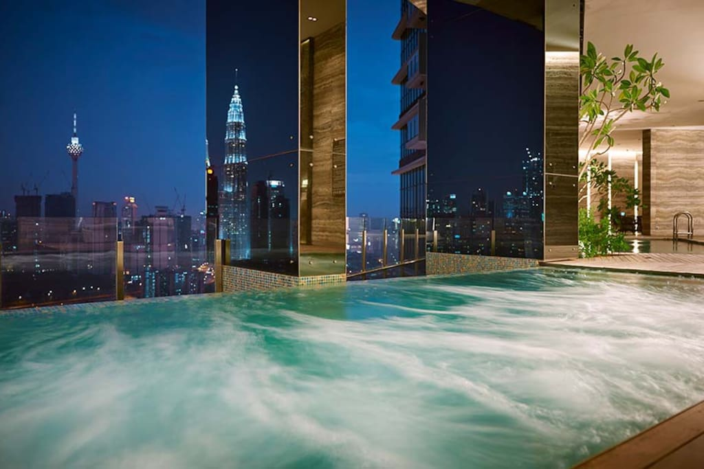 Infinity pool with KLCC view @SKY Club level 33A