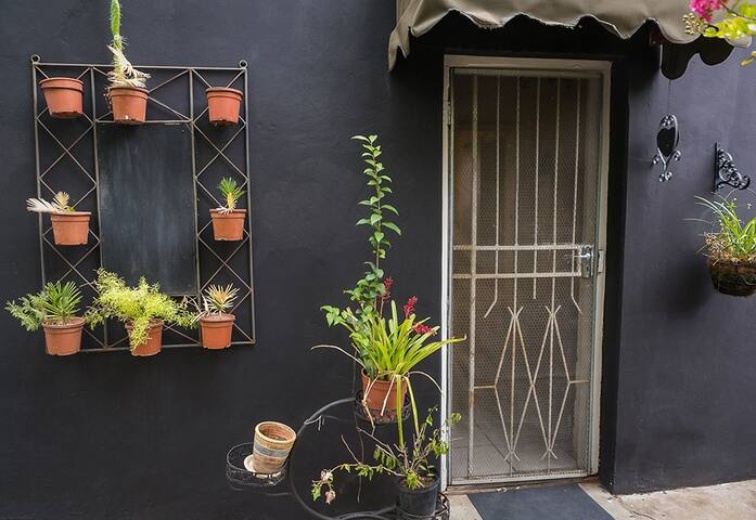 Garden Cottage Ouma