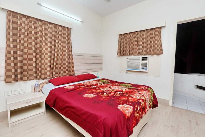 Deluxe Room in the heart of T Nagar, Chennai