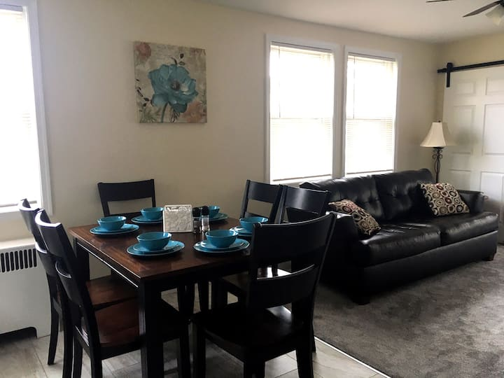Newly Renovated Baby Friendly Upstairs Apartment