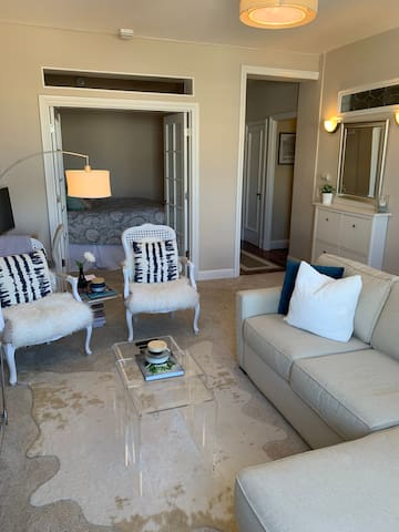 Charming 1BR in Heart of City, 10 min walk to FiDi