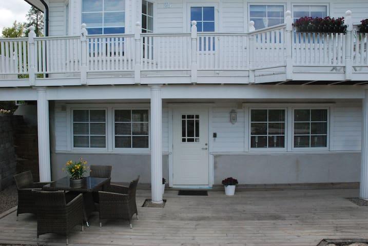 Nice apartment at a nice price + free Wifi/parking