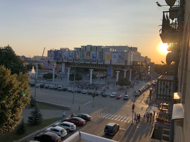 2комн квартира с видом на оперный театр. Сумская.