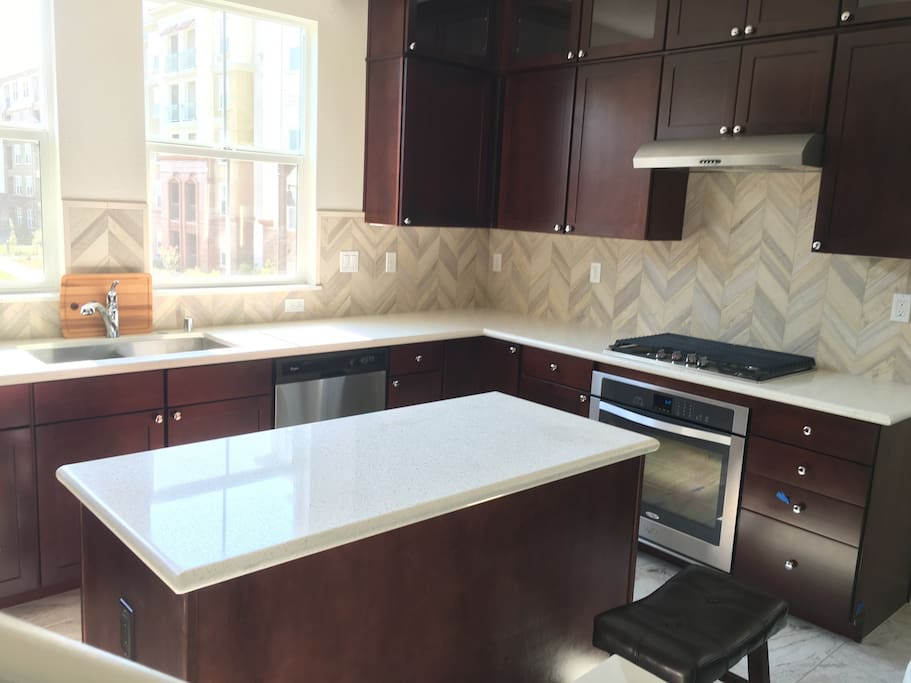 Beautifully upgraded Kitchen to make your favorite home meals while away from home.
