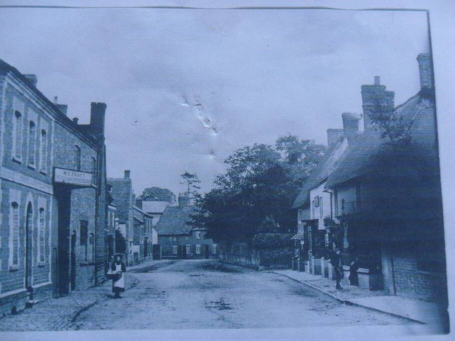 Long Buckby was once a shoe manufacturing village - house is second on the left, WE frost