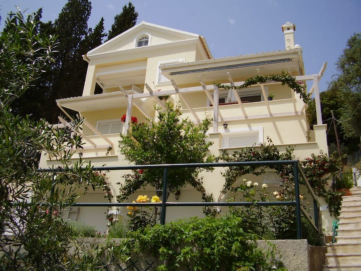 Atena Mare Sea View (20 meters to the beach)