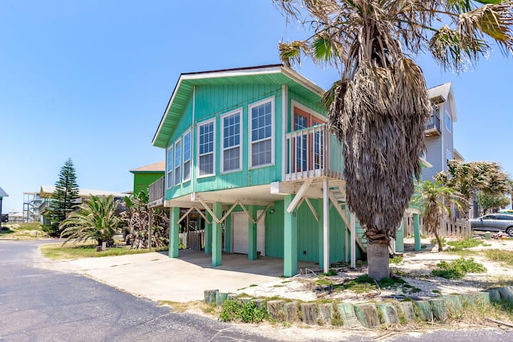 Sea Turtle: Prime Location with Ocean Views, Boardwalk to Beach and MUCH MORE
