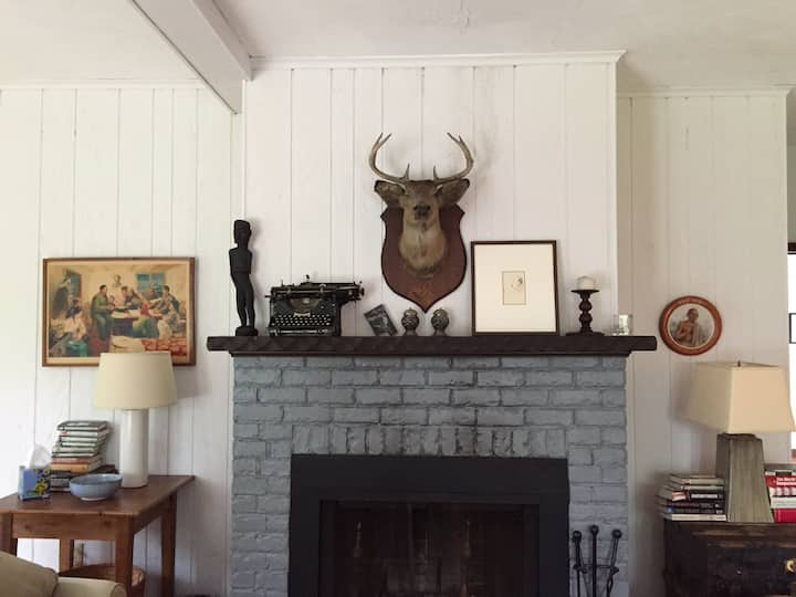 Charming Writer's Cottage on 10 Acres of Land