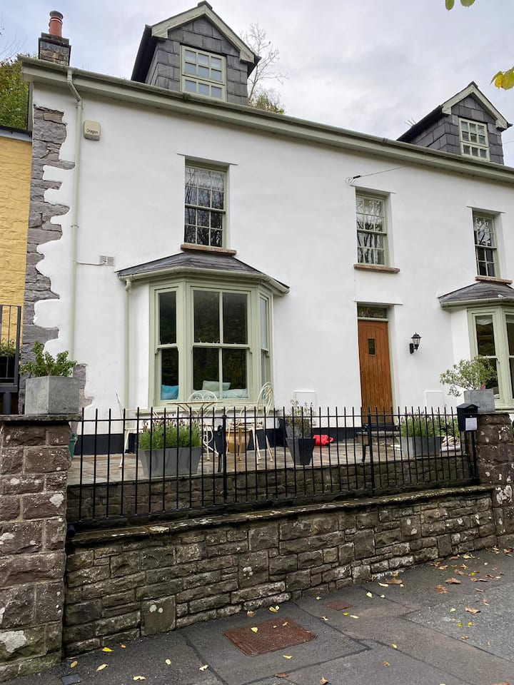 3 Bedroom 18th Century house in Brecon Beacons