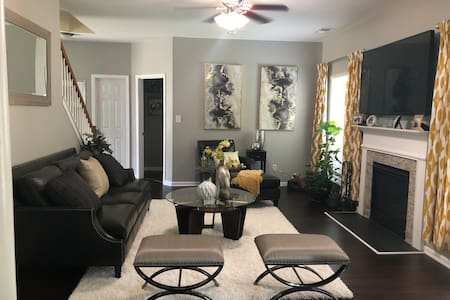 Private & Clean! Bedroom/Bth near Uptown Charlotte