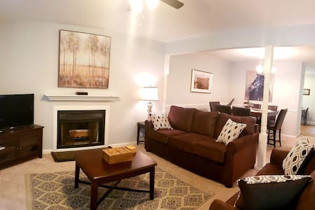 New Listing, Quaint, Picturesque, Chic in Bellevue