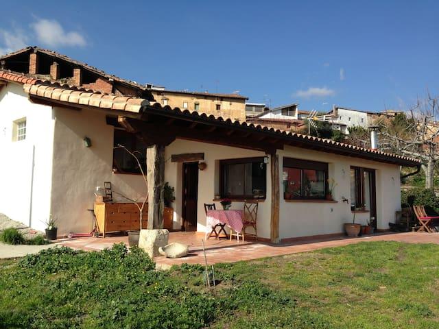 Alquilo casa con jardín - Villanueva de la Vera