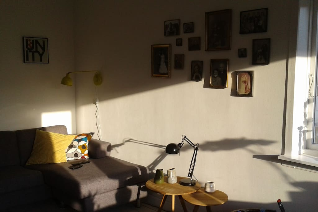 Livingroom - nice place to relax in the sun