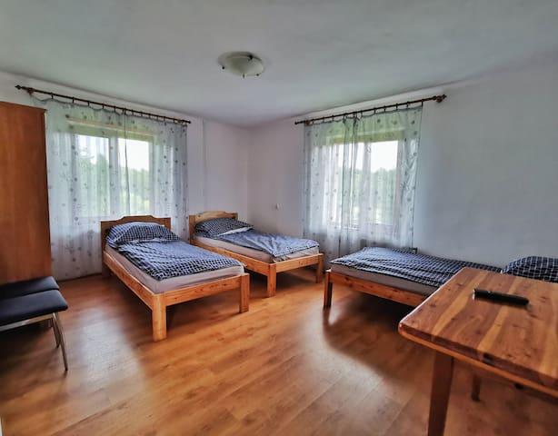 Pokój na piętrze 3 osobowy