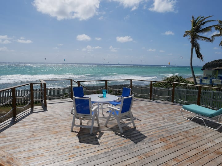 Very attractive 2bd 2bth  ocean front house
