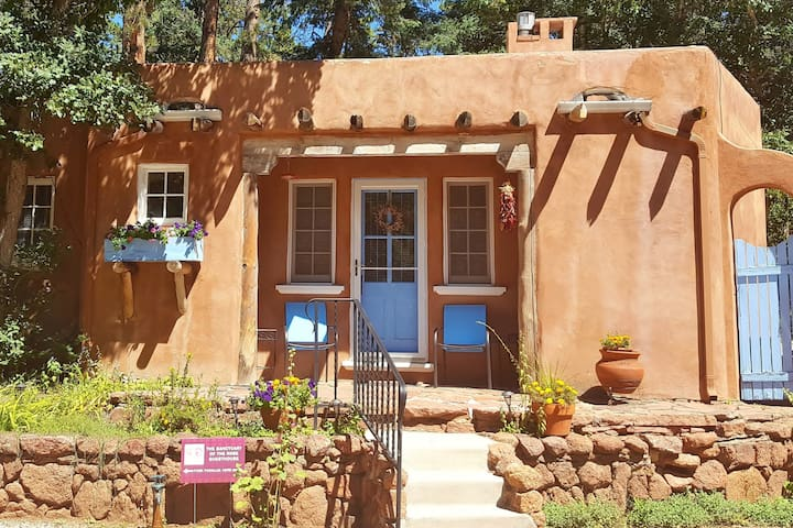 Deal!/Lux Guesthouse for 2 by Pikes Peak/Mtn Views