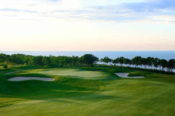 2-4 Apt in Light House Golf Resort, Black Sea