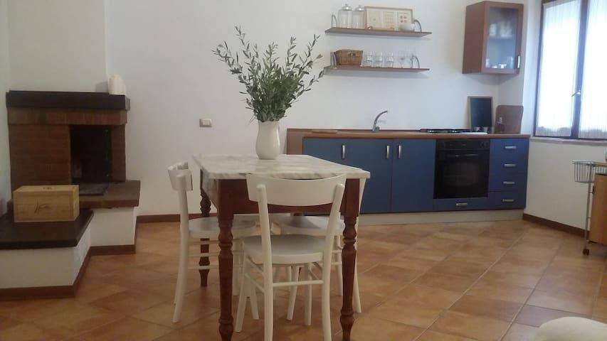 Piccolo appartamento in collina - Spoleto - Wohnung