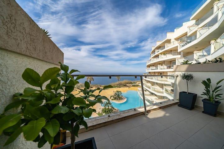 Hal-Saghtrija Apartment - Modern Apartment with Sea Views & Communal Pool