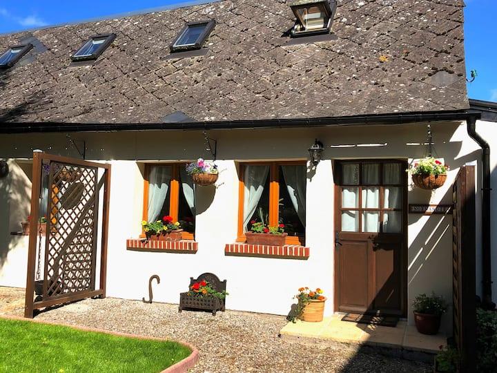 Gite cottage 'Normandie' at Le Vieux Presbytère.