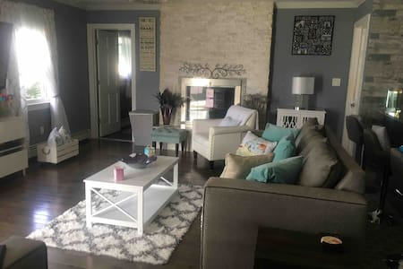 PAISLEY'S PLACE/NOT ENTIRE HOUSE/2 Private rooms