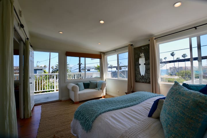Malibu Ocean View Home in Amazing Location