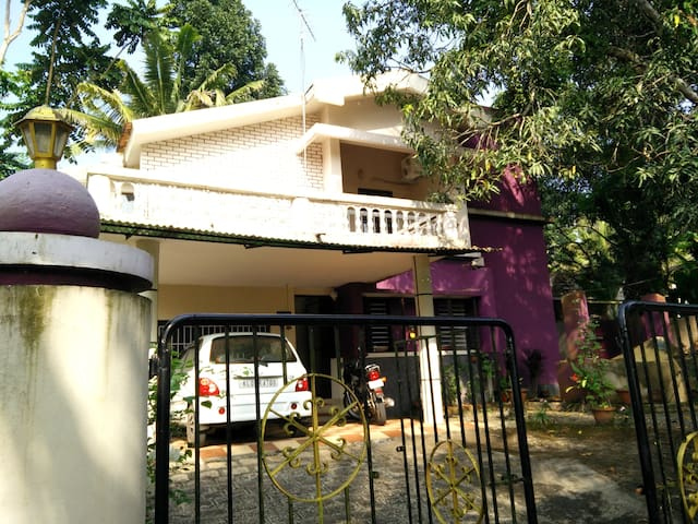 Cozy First floor 1 BD with Bathroom - Kottayam - Hus