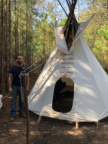 Glamping on 111 Secluded Acres 1.5 Hrs From NOLA