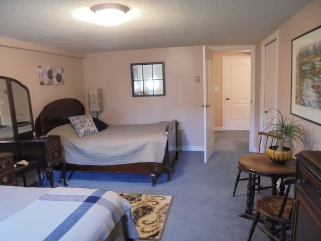 Comfortable, private family suite. - Kingston