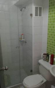 Habitación con baño privado - Piedecuesta