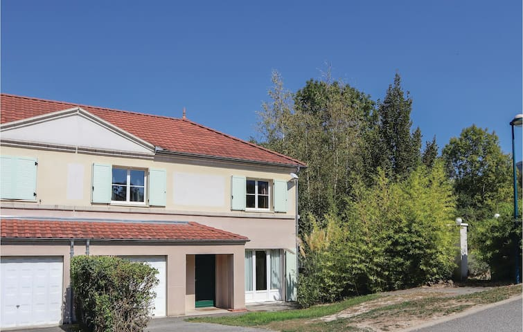 Semi-Detached with 4 bedrooms on 96m² in Pontcharra