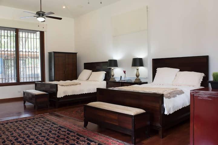 El Cocorrón.  Unforgettable room.  Private Path