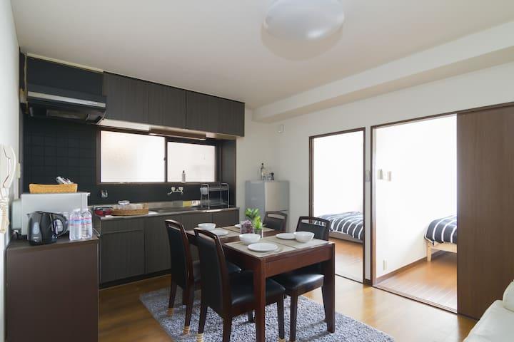 寬敞舒適的房間,可住多人,近新今宮車站及花園站3LDK
