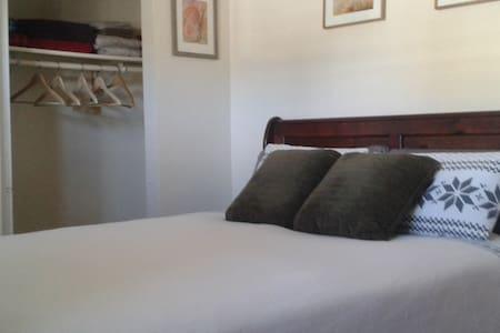 O'Keeffe Express - El Paso - Bed & Breakfast