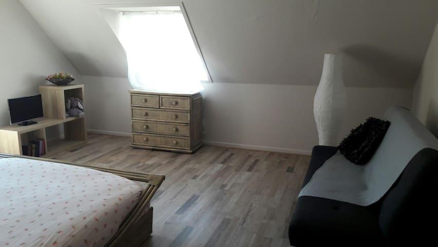 Belle chambre dans maison sur la route des vins.