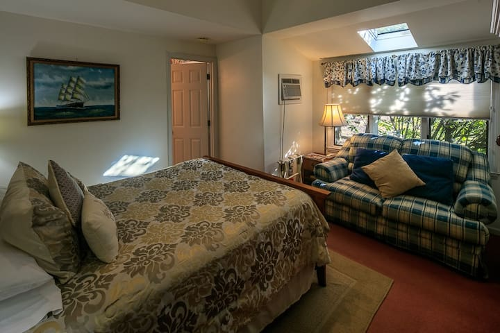 Little Room - Taylor House Inn, Historic Valle Crucis NC
