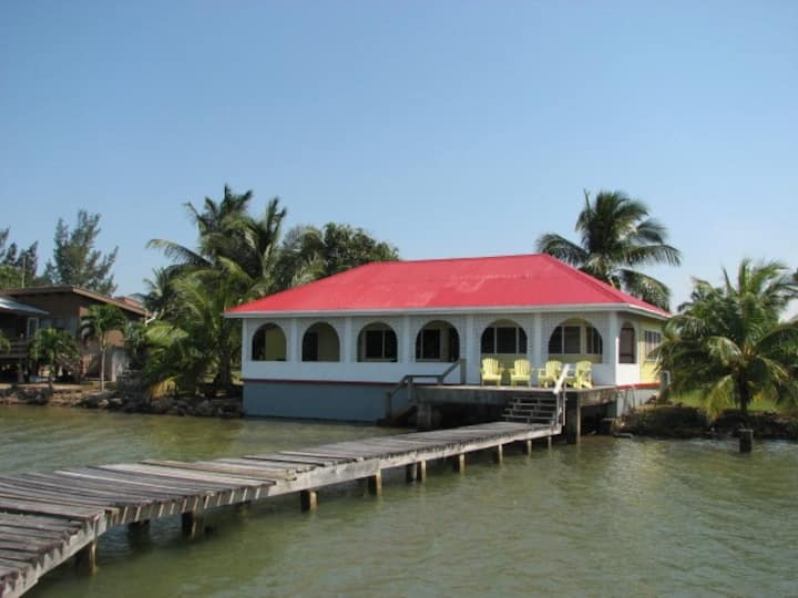 Wineberry House, Gales Point, Coastal Belize